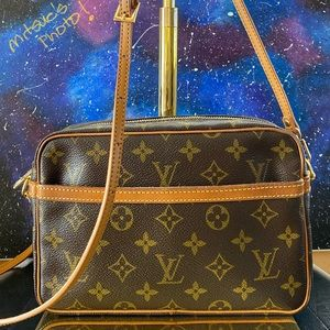 Louis Vuitton Compiegne 23 Crossbody 882TH